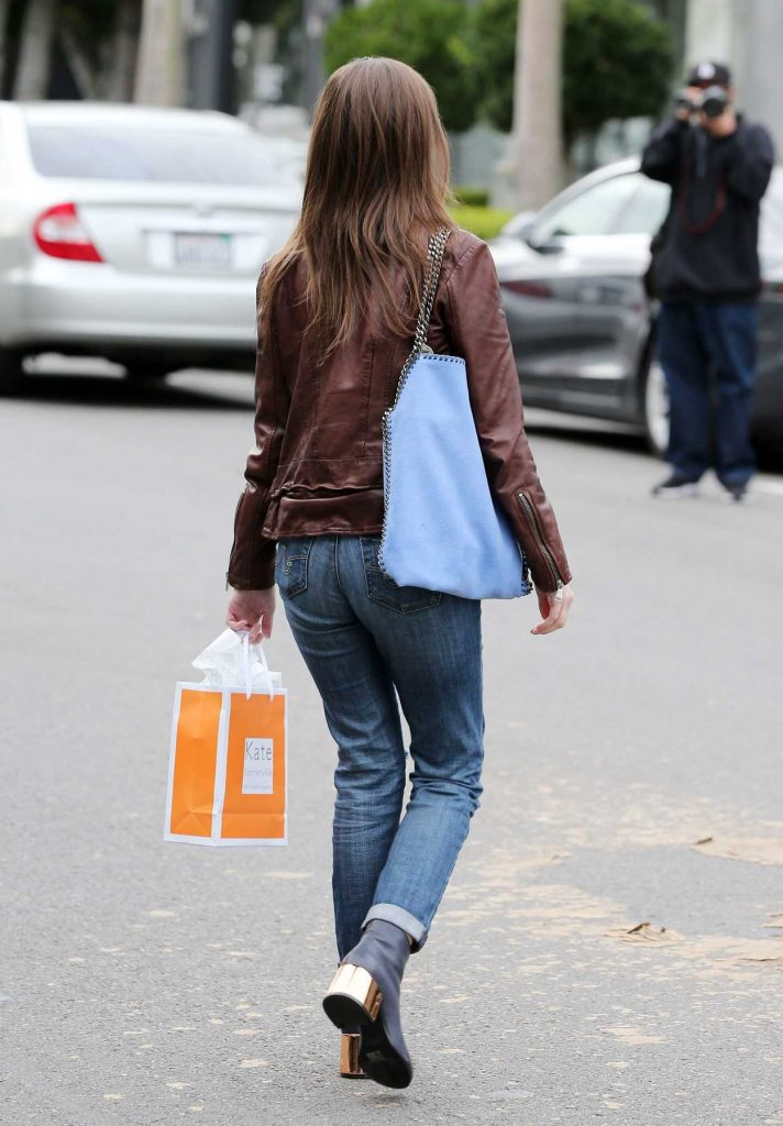 Anna Kendrick Leaves Kate Somerville Skin Care in Beverly Hills 01/03/2017-3