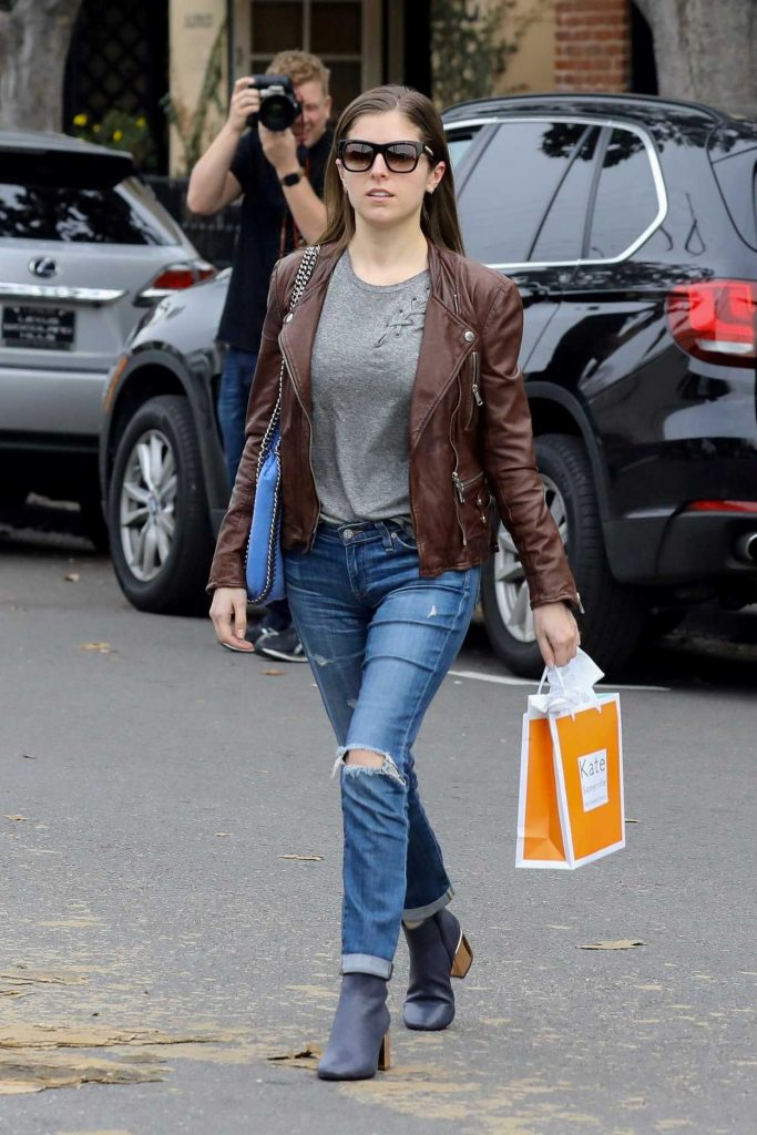 Anna Kendrick Leaves Kate Somerville Skin Care in Beverly Hills 01/03/2017-4