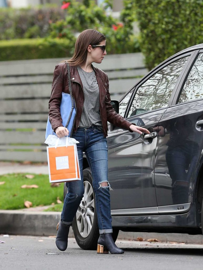 Anna Kendrick Leaves Kate Somerville Skin Care in Beverly Hills 01/03/2017-5