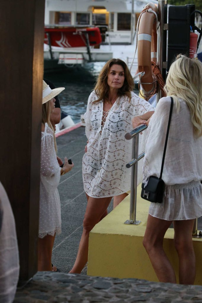 Cindy Crawford Was Seen Out in St Barth 12/30/2016-1