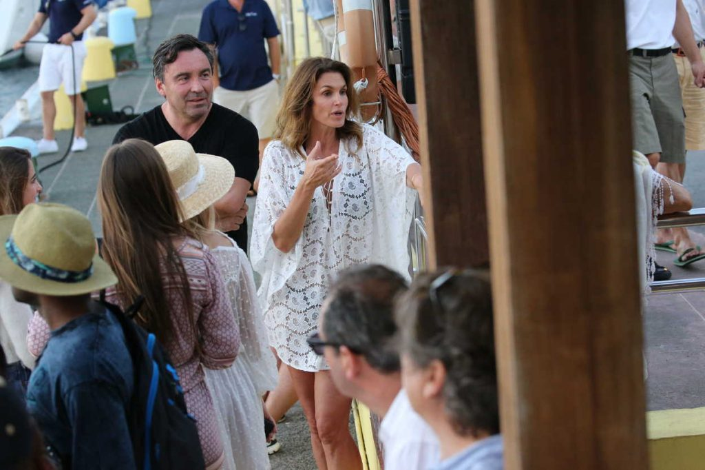 Cindy Crawford Was Seen Out in St Barth 12/30/2016-5