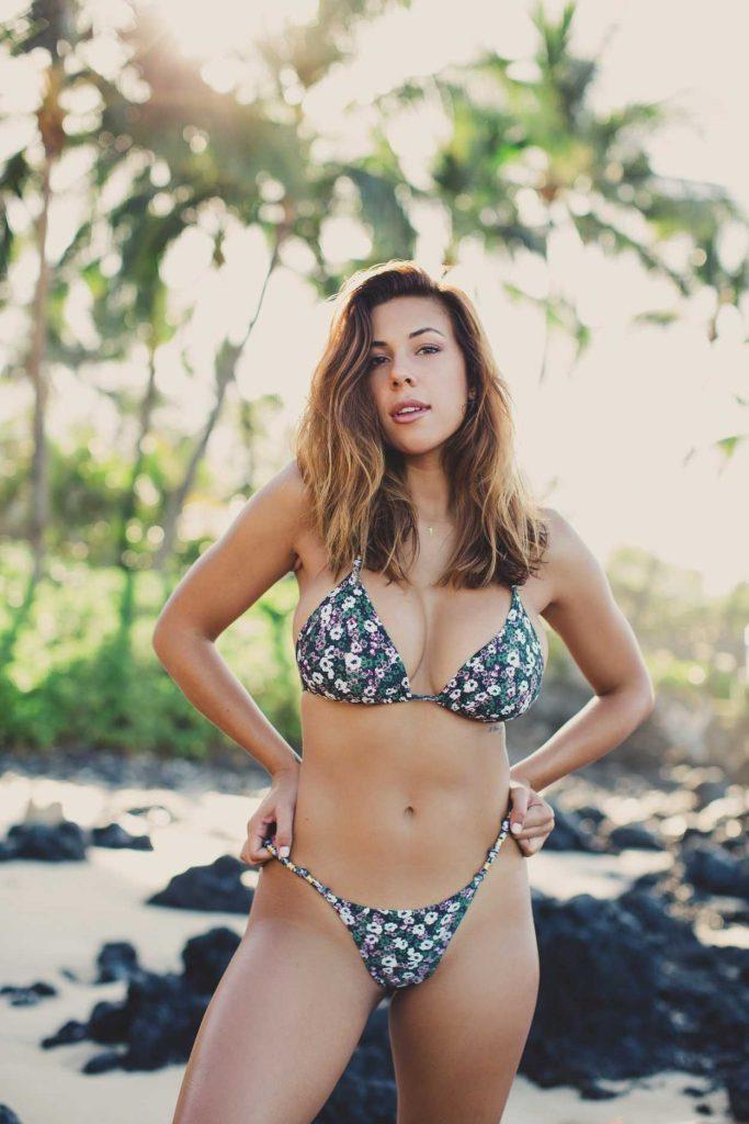 Devin Brugman in Bikini 01/18/2017-1