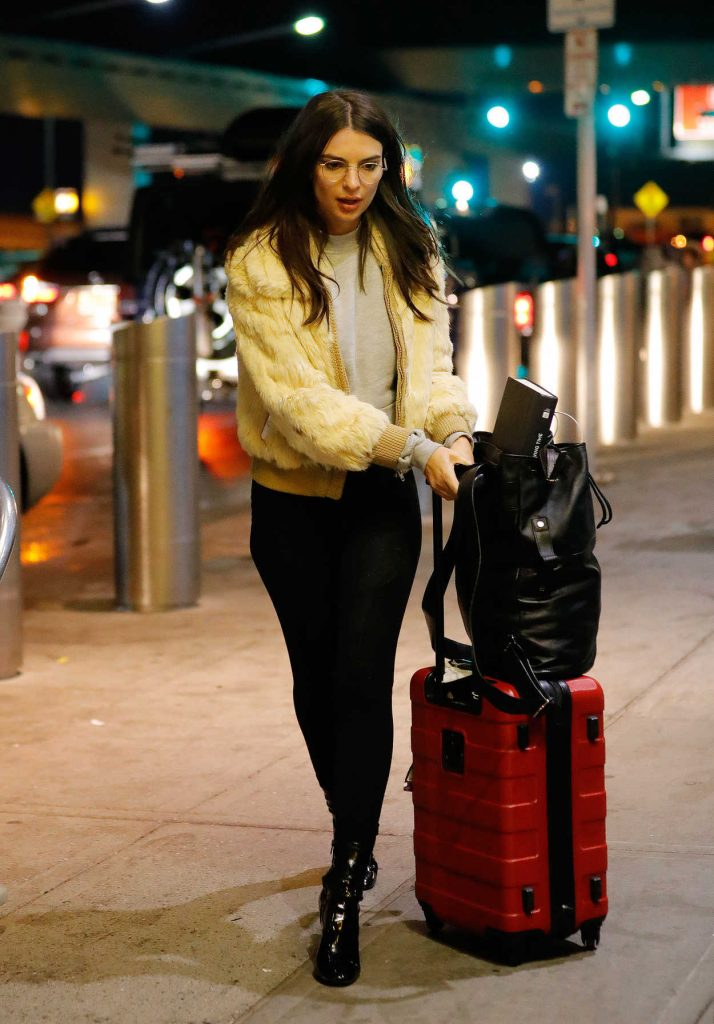 Emily Ratajkowski at JFK Airport in New York 01/23/2017-1