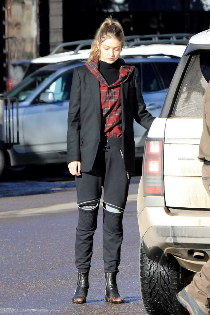 Gigi Hadid Was Seen Out in Aspen 12/30/2016-1