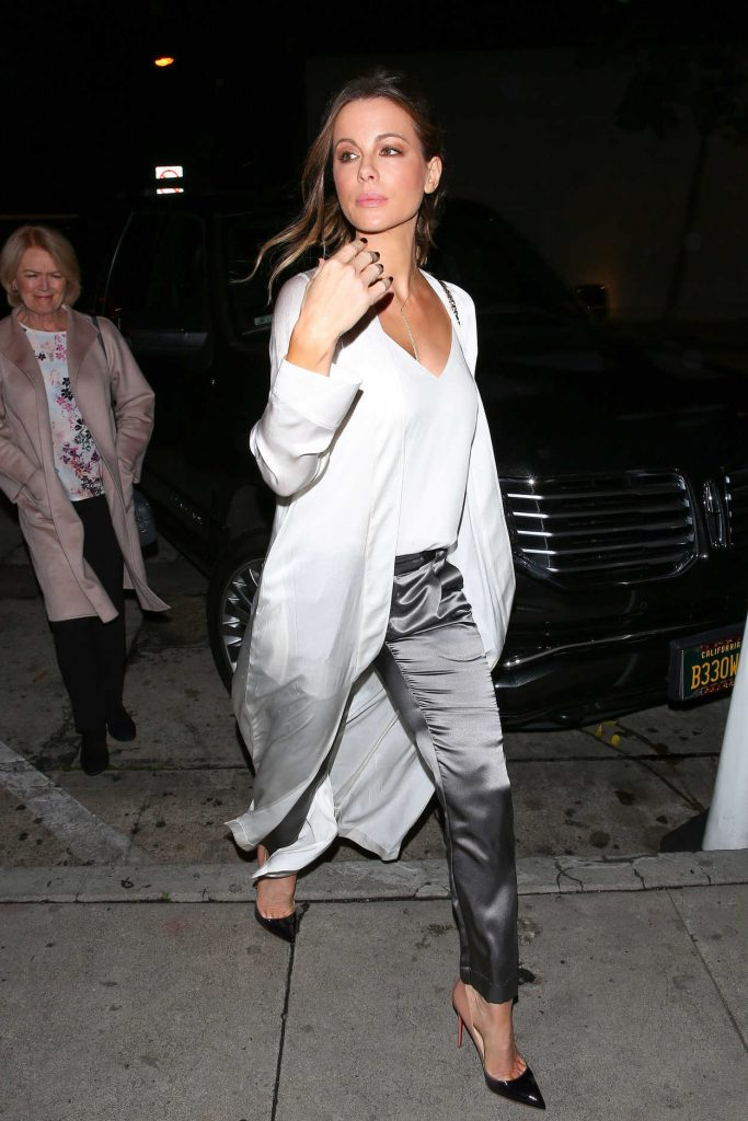 Kate Beckinsale Arrives at Craigs Restaurant in West Hollywood 01/09/2017-1