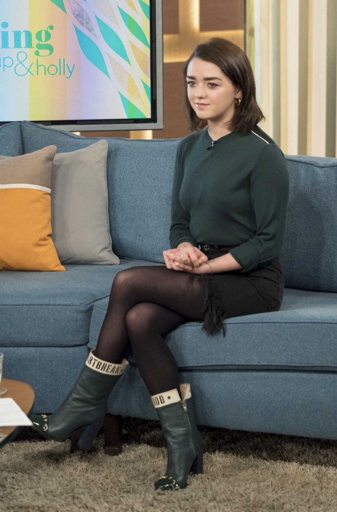 Maisie Williams at This Morning TV Show in London 01/24/2017-2