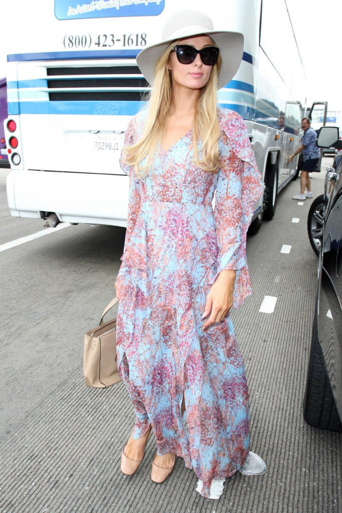 Paris Hilton Was Seen at LAX Airport in Los Angeles 01/06/2017-3