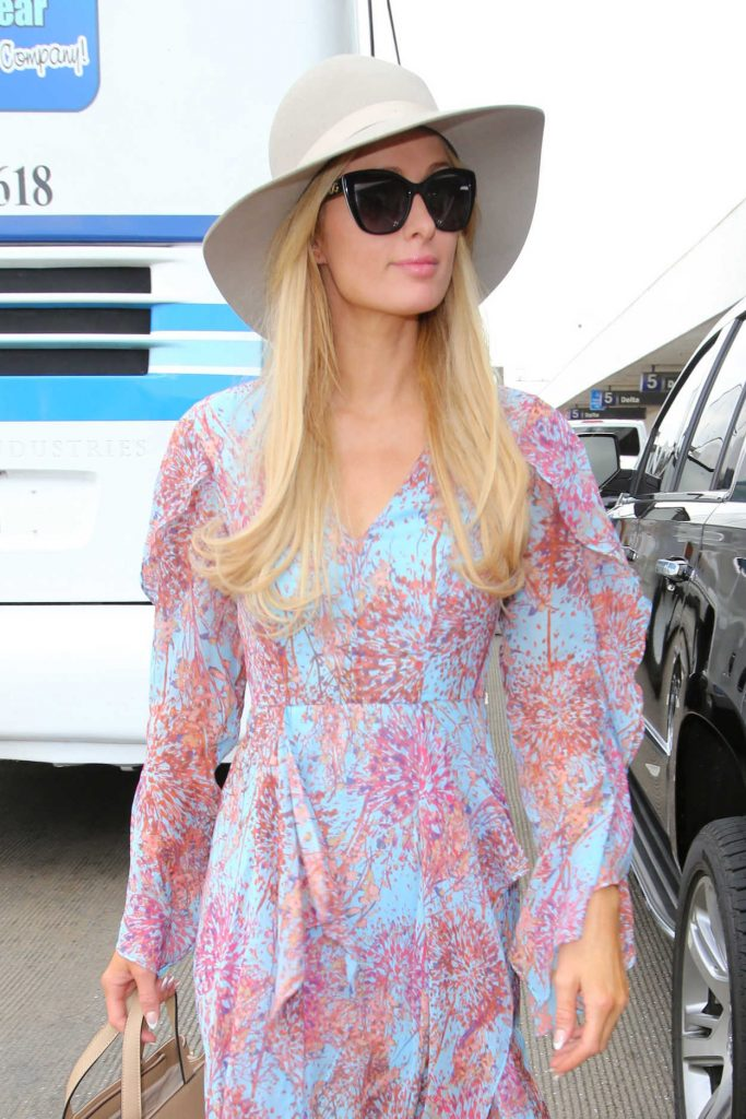 Paris Hilton Was Seen at LAX Airport in Los Angeles 01/06/2017-5