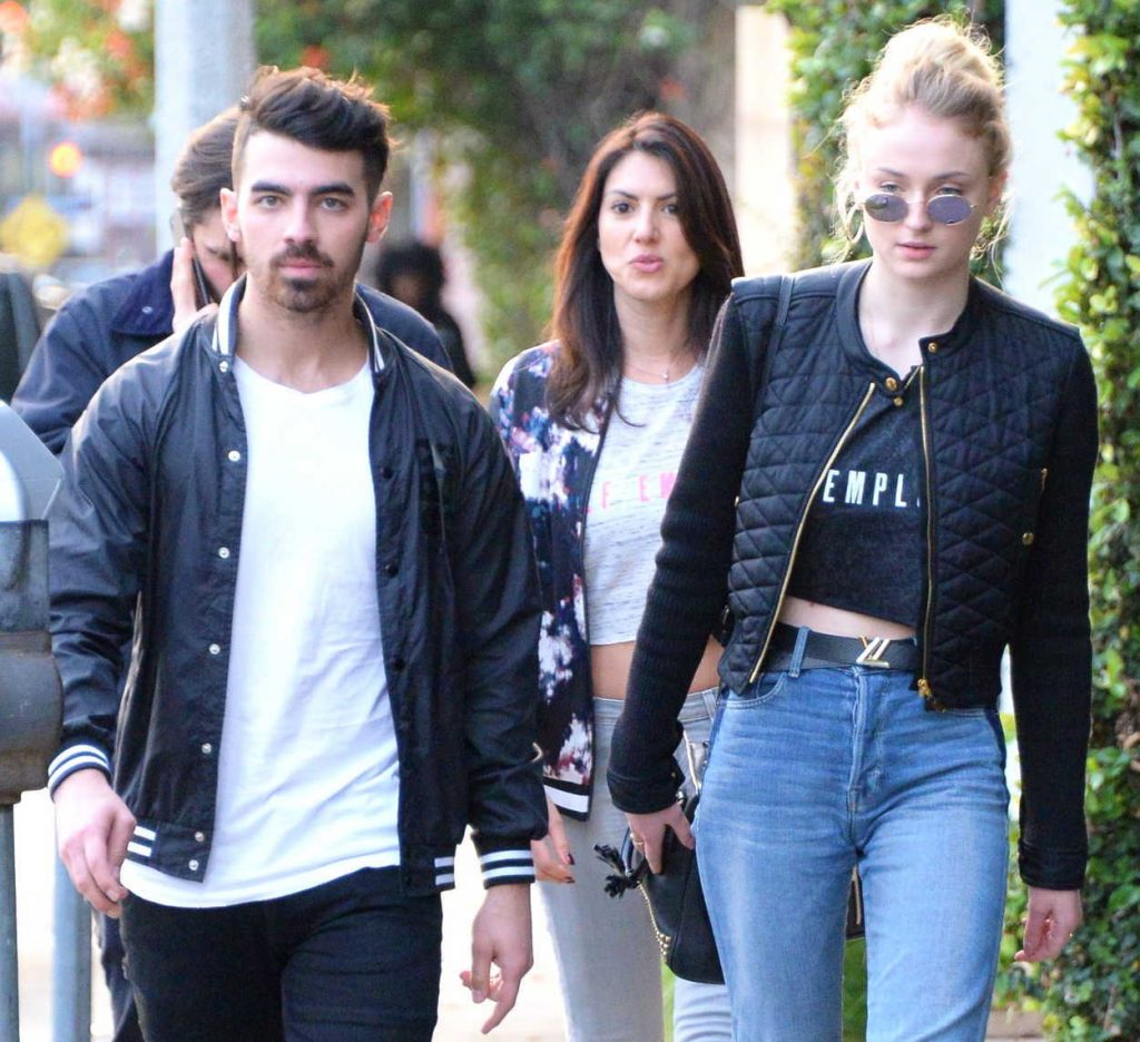 Sophie Turner Was Seen Out in Beverly Hills With Her Boyfriend Joe Jonas 01/05/2017-4