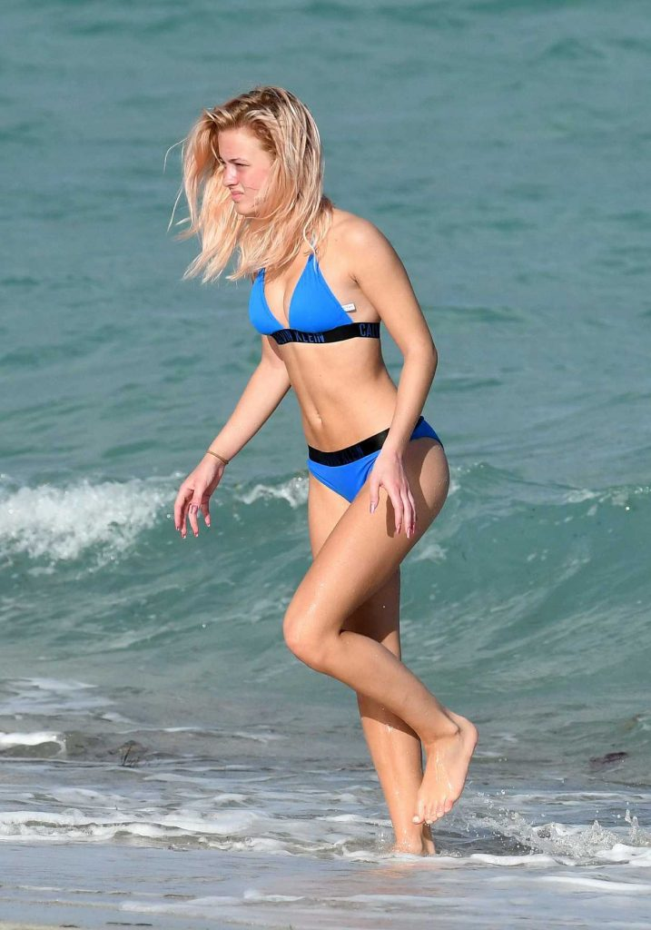 Zara Larsson in Bikini at the Beach in Miami 01/12/2017-2