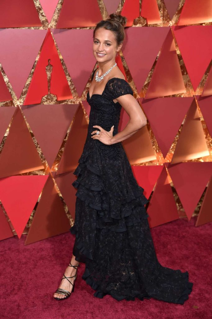 Alicia Vikander at the the 89th Annual Academy Awards in Hollywood 02/26/2017-3
