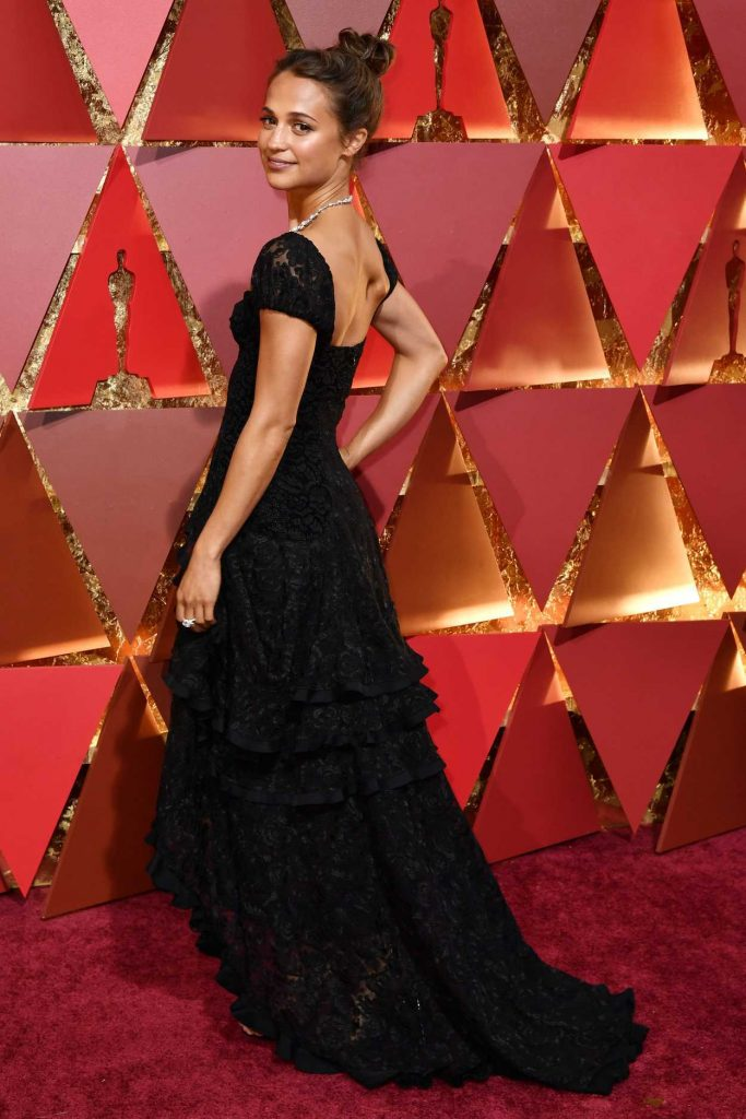 Alicia Vikander at the the 89th Annual Academy Awards in Hollywood 02/26/2017-4