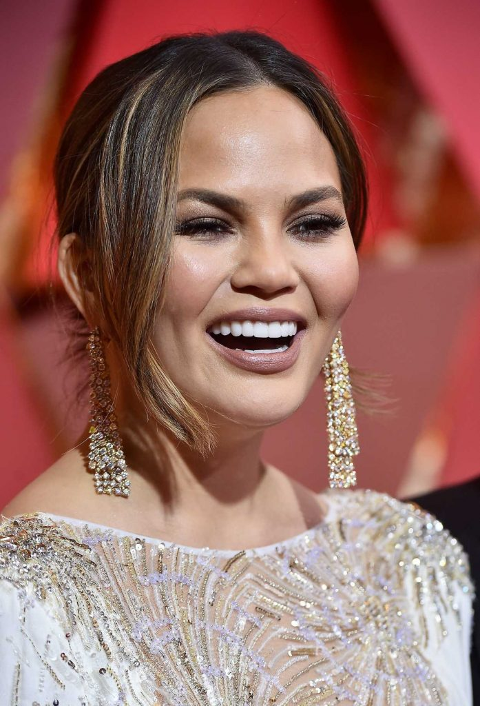 Chrissy Teigen at the the 89th Annual Academy Awards in Hollywood 02/26/2017-5