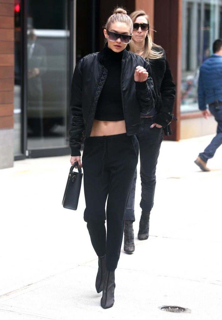 Gigi Hadid Leaves the Bowery Hotel in Manhattan, New York 02/02/2017-2