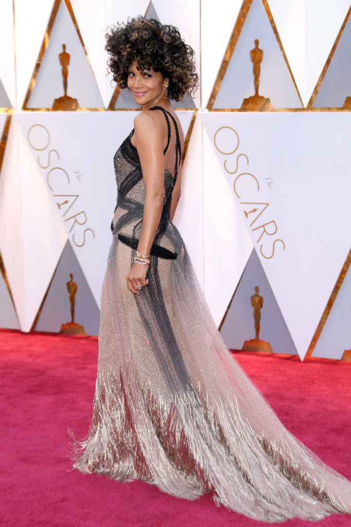Halle Berry at the the 89th Annual Academy Awards in Hollywood 02/26/2017-2