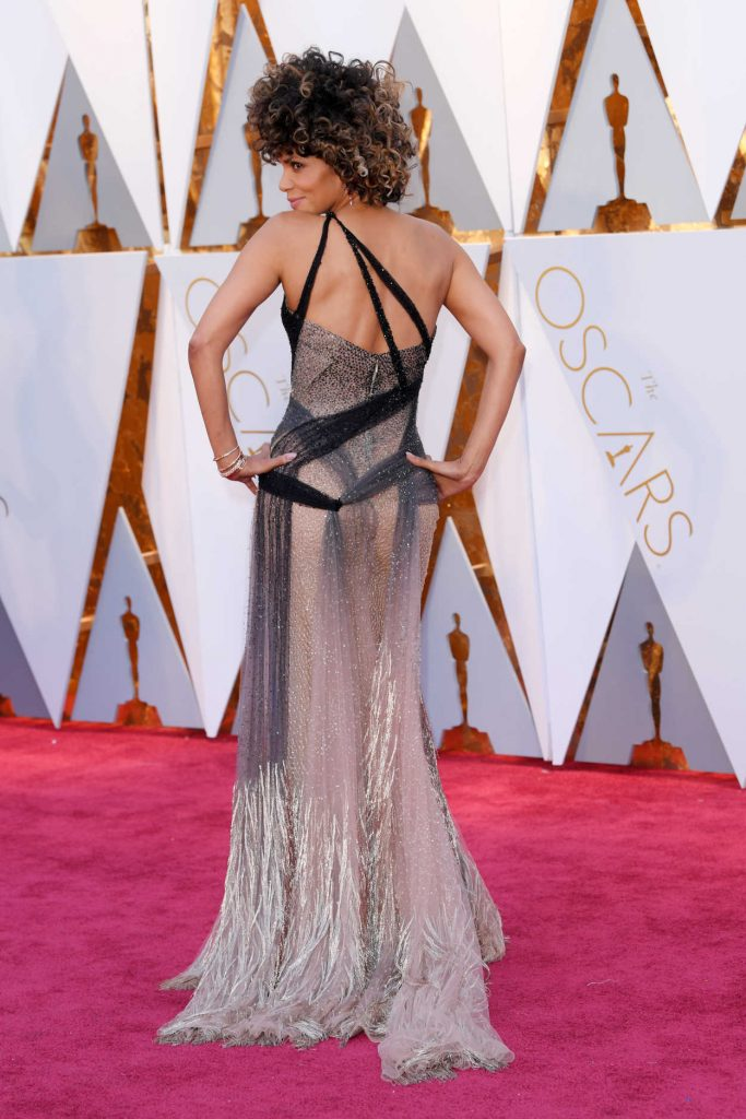 Halle Berry at the the 89th Annual Academy Awards in Hollywood 02/26/2017-3