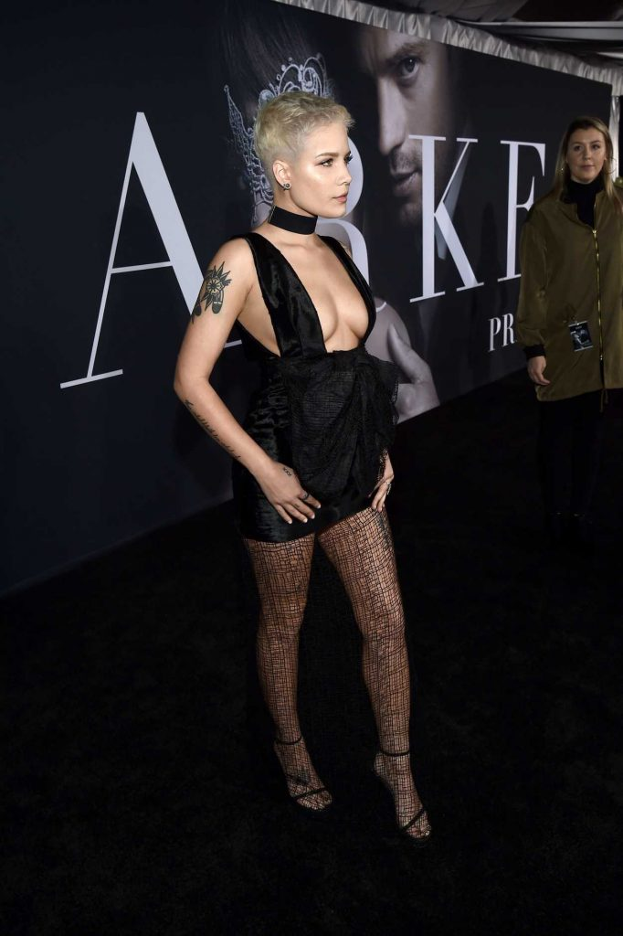 Halsey at the Fifty Shades Darker Premiere in Los Angeles 02/02/2017-3