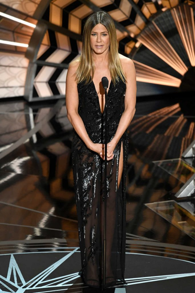 Jennifer Aniston at the the 89th Annual Academy Awards in Hollywood 02/26/2017-1