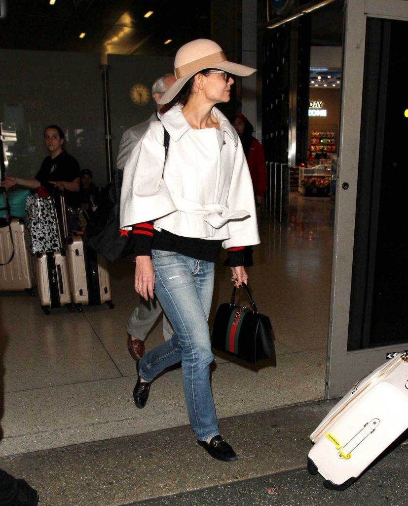 Katie Holmes Wearing a Massive Hat at LAX Airport in LA 02/24/2017-1