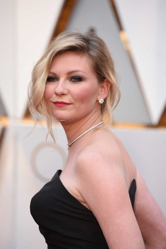 Kirsten Dunst at the the 89th Annual Academy Awards in Hollywood 02/26/2017-4