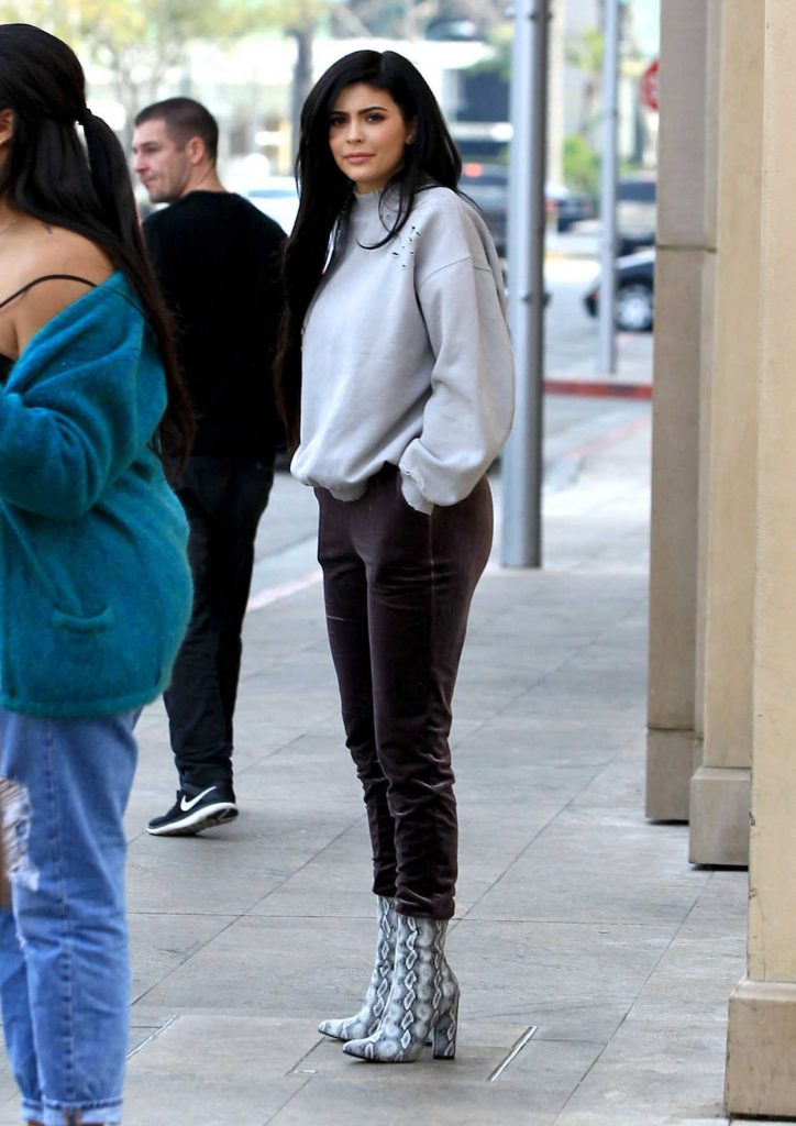 Kylie Jenner Was Seen Out in Beverly Hills 02/01/2017-1