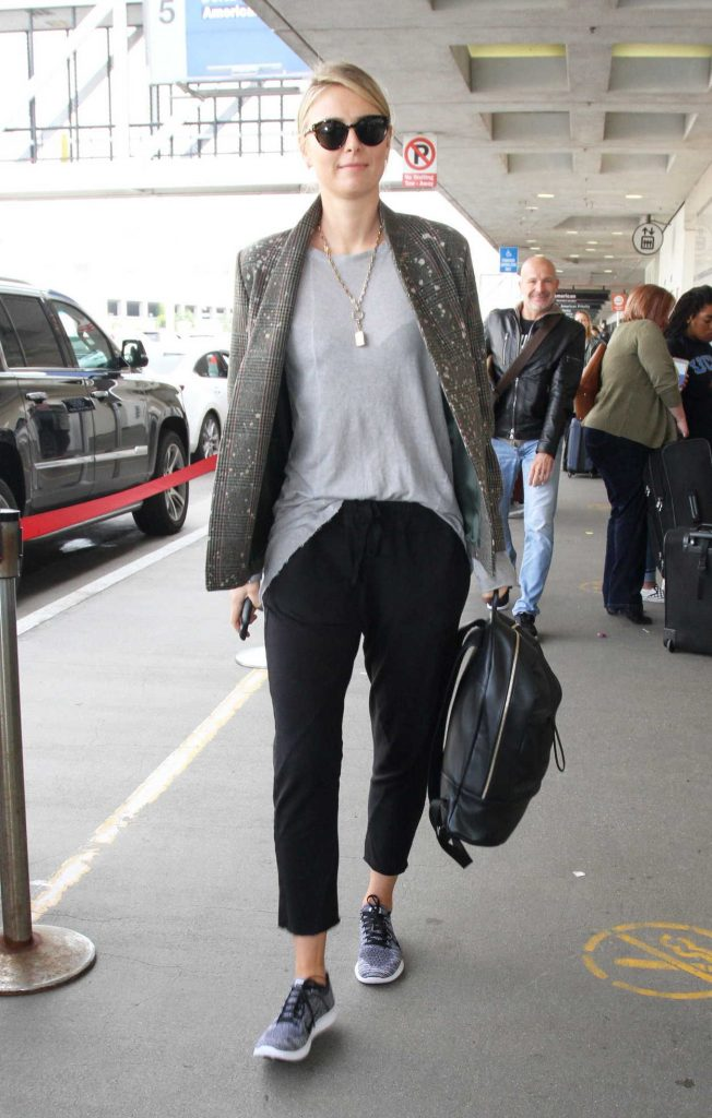 Maria Sharapova at LAX Airport in Los Angeles 02/08/2017-1