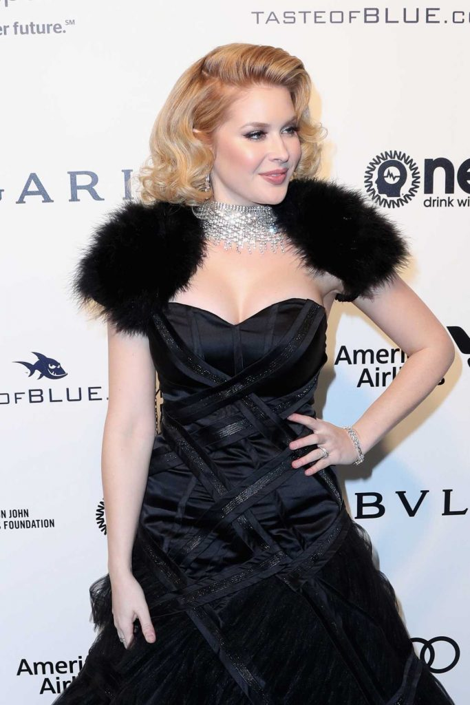 Renee Olstead at the 2017 Vanity Fair Oscar Party Hosted by Graydon Carter in Beverly Hills 02/26/2017-4