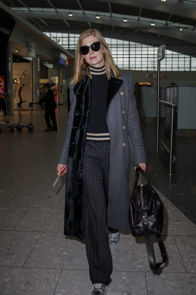 Rosamund Pike Was Seen at Heathrow Airport in London 02/03/2017-4