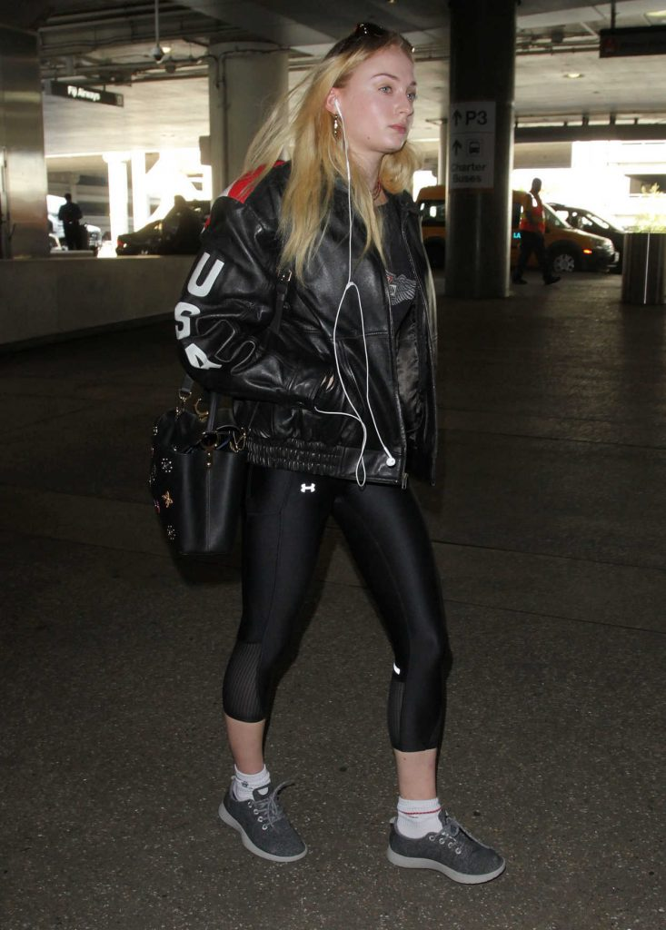Sophie Turner Was Seen at LAX Airport in Los Angeles 02/08/2017-1