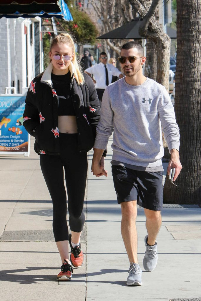 Sophie Turner Was Seen Out in Los Angeles 02/14/2017-3
