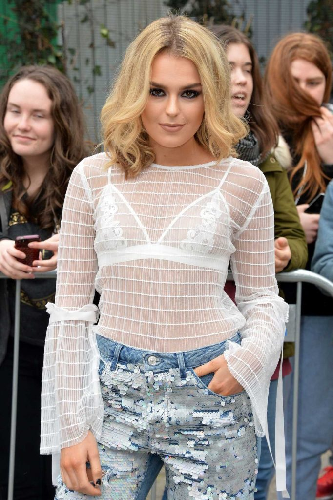 Tallia Storm at the Topshop Unique Show During the London Fashion Week 02/19/2017-4