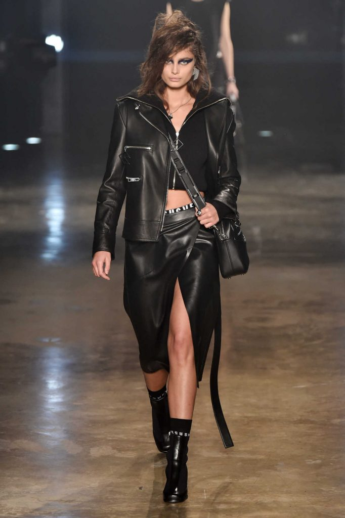 Taylor Hill at the Versus Versace Show During the London Fashion Week 02/18/2017-1