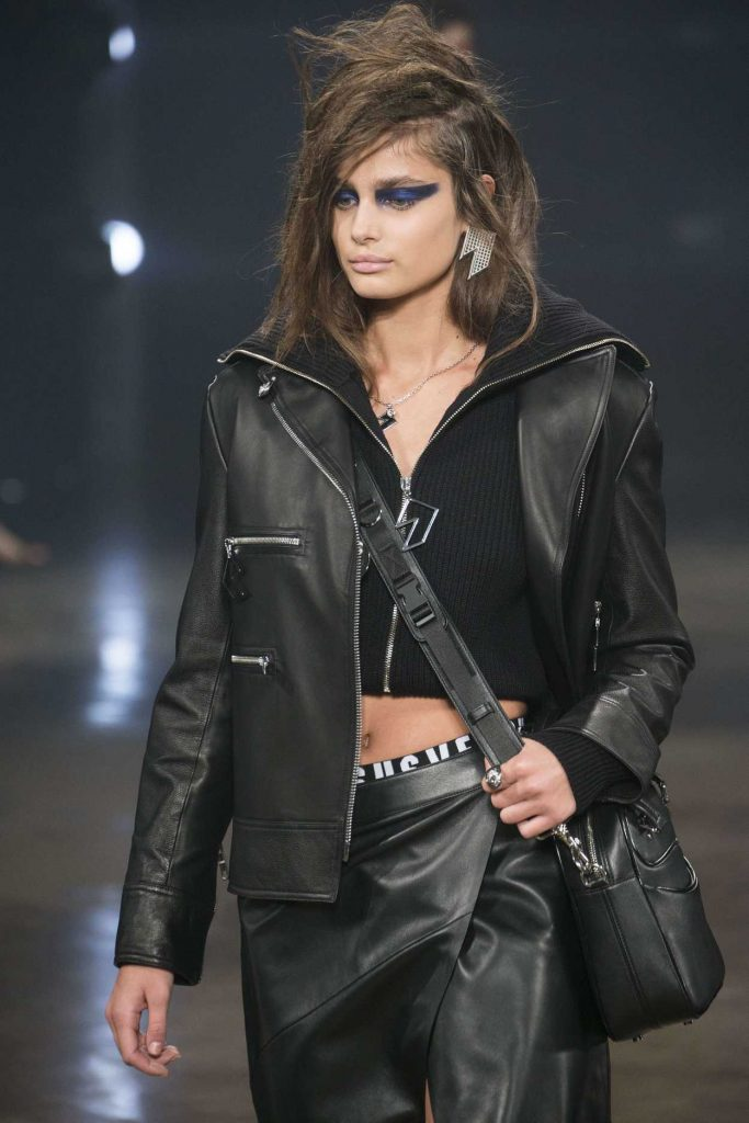 Taylor Hill at the Versus Versace Show During the London Fashion Week 02/18/2017-3