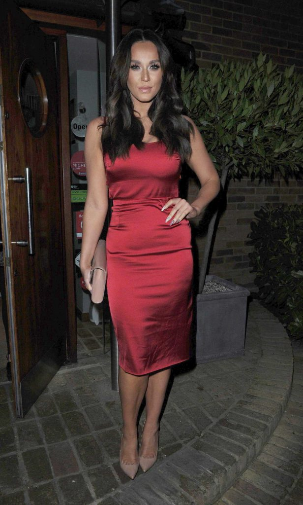 Vicky Pattison Arrives to the Smiths Restaurant in Essex 02/25/2017-1