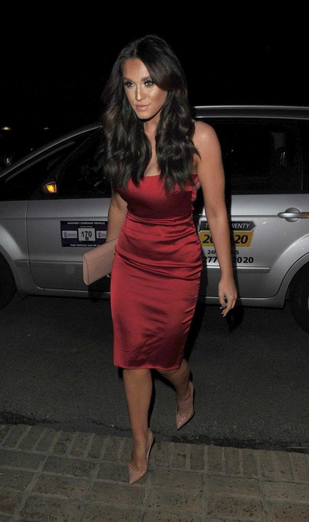 Vicky Pattison Arrives to the Smiths Restaurant in Essex 02/25/2017-2