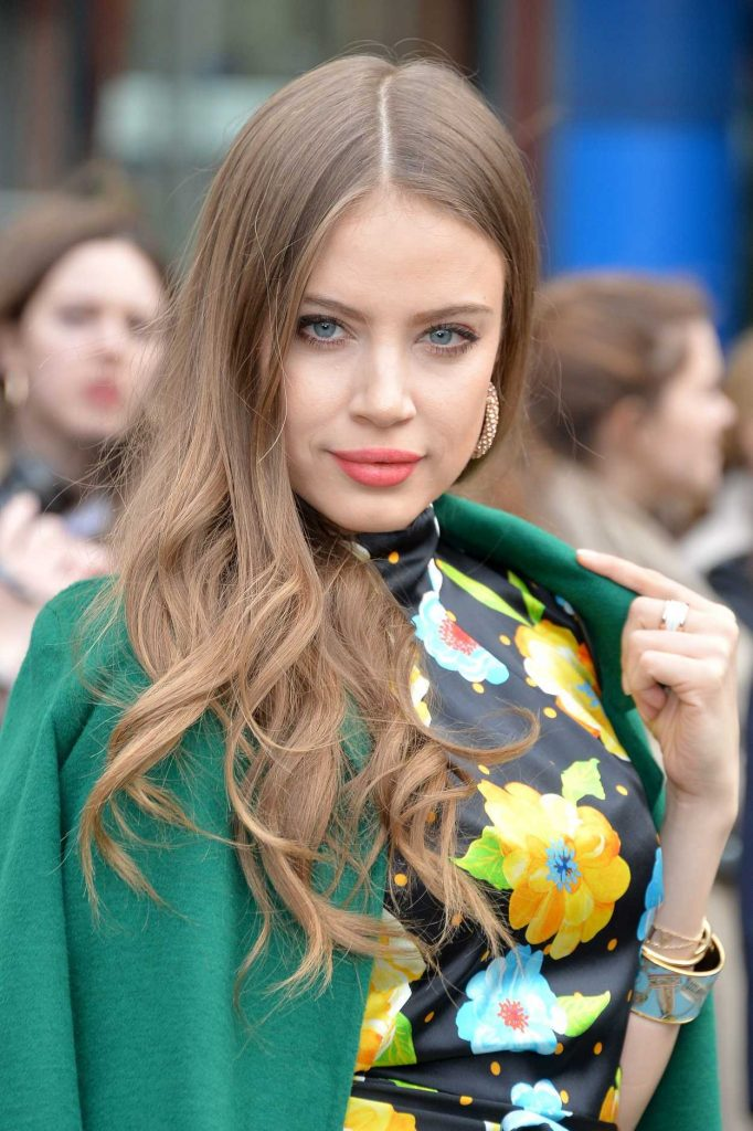 Xenia Tchoumitcheva at the Topshop Unique Show During the London Fashion Week 02/19/2017-5