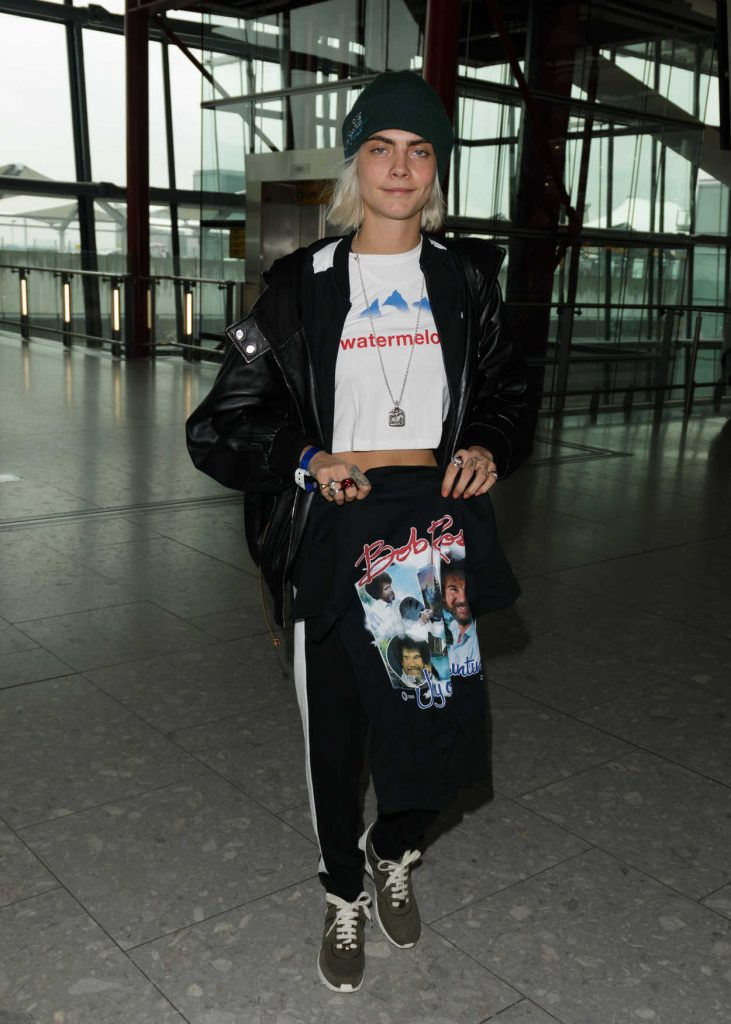 Cara Delevingne Was Seen at Heathrow Airport in London 03/12/2017-1
