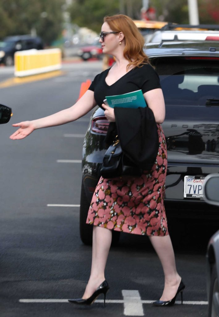 Christina Hendricks Gets Into the Car Out in Los Angeles 03/10/2017-1