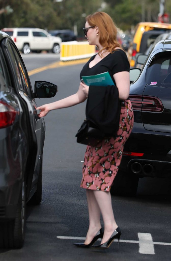 Christina Hendricks Gets Into the Car Out in Los Angeles 03/10/2017-3