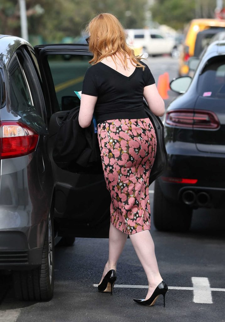 Christina Hendricks Gets Into the Car Out in Los Angeles 03/10/2017-4