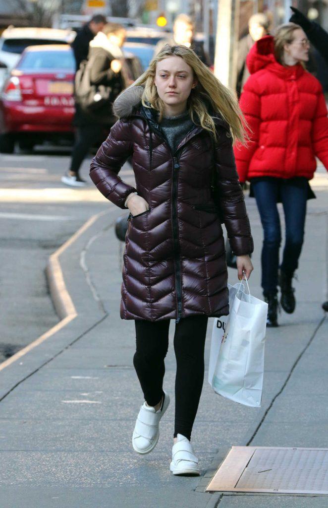 Dakota Fanning Goes Shopping in Soho, New York City 03/02/2017-1