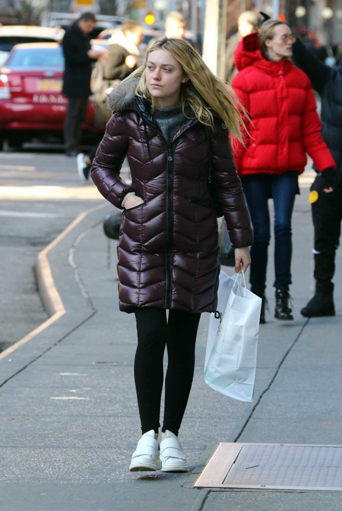 Dakota Fanning Goes Shopping in Soho, New York City 03/02/2017-2
