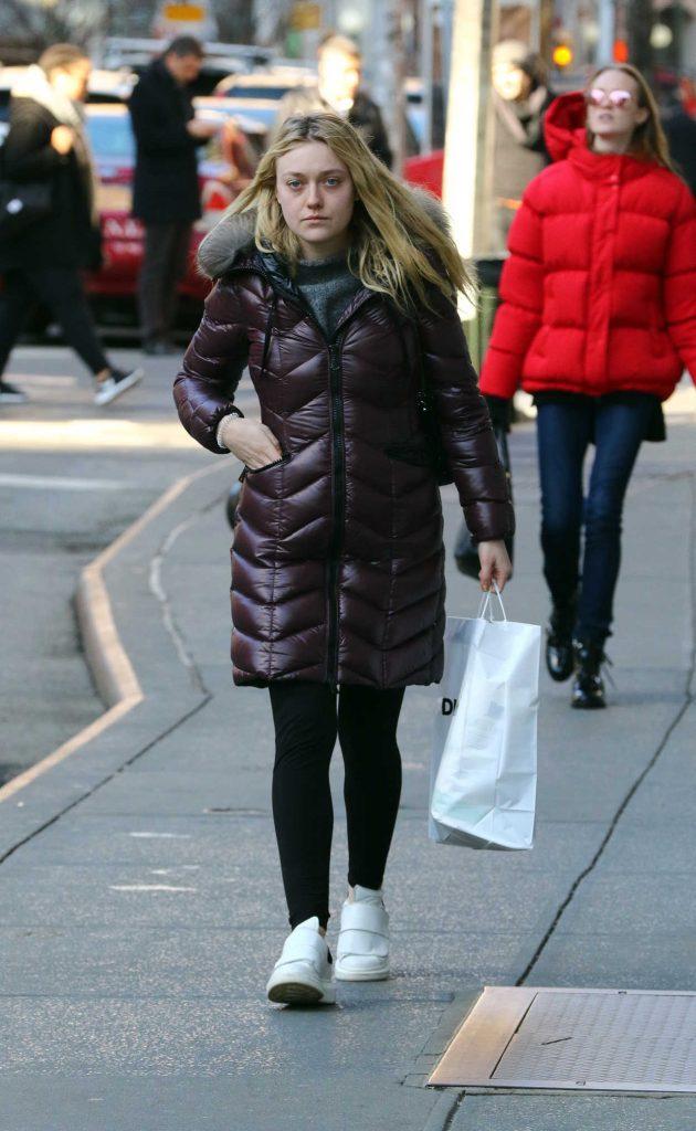 Dakota Fanning Goes Shopping in Soho, New York City 03/02/2017-3