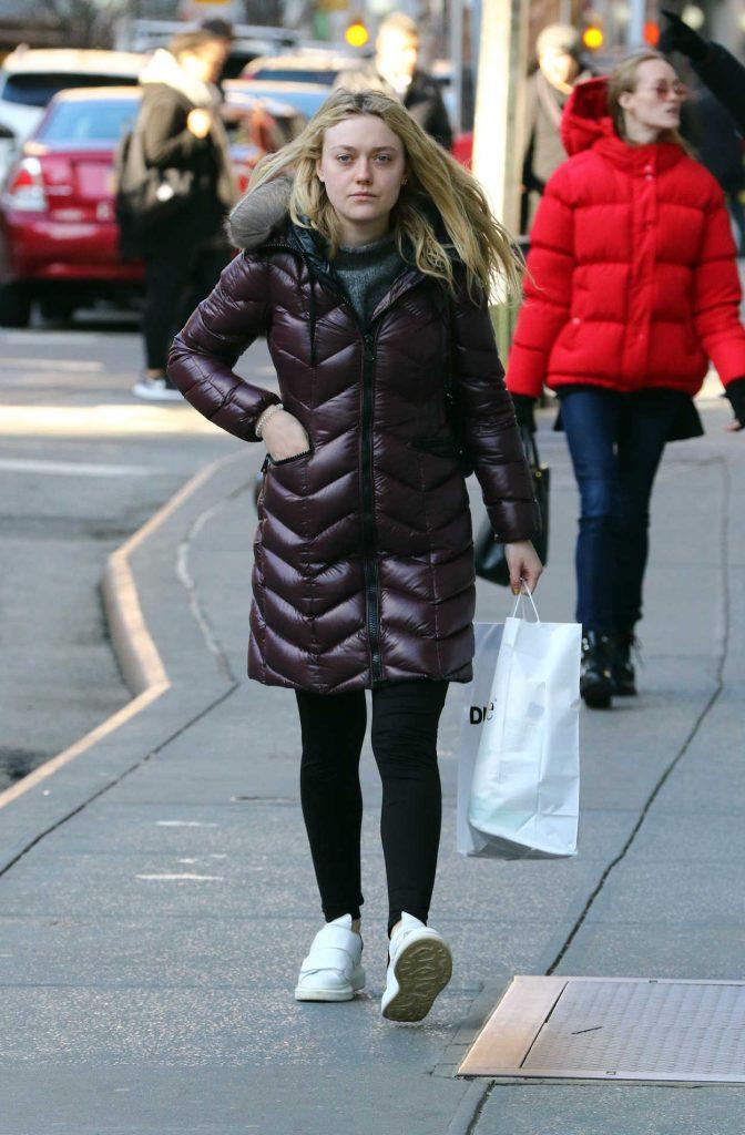 Dakota Fanning Goes Shopping in Soho, New York City 03/02/2017-4