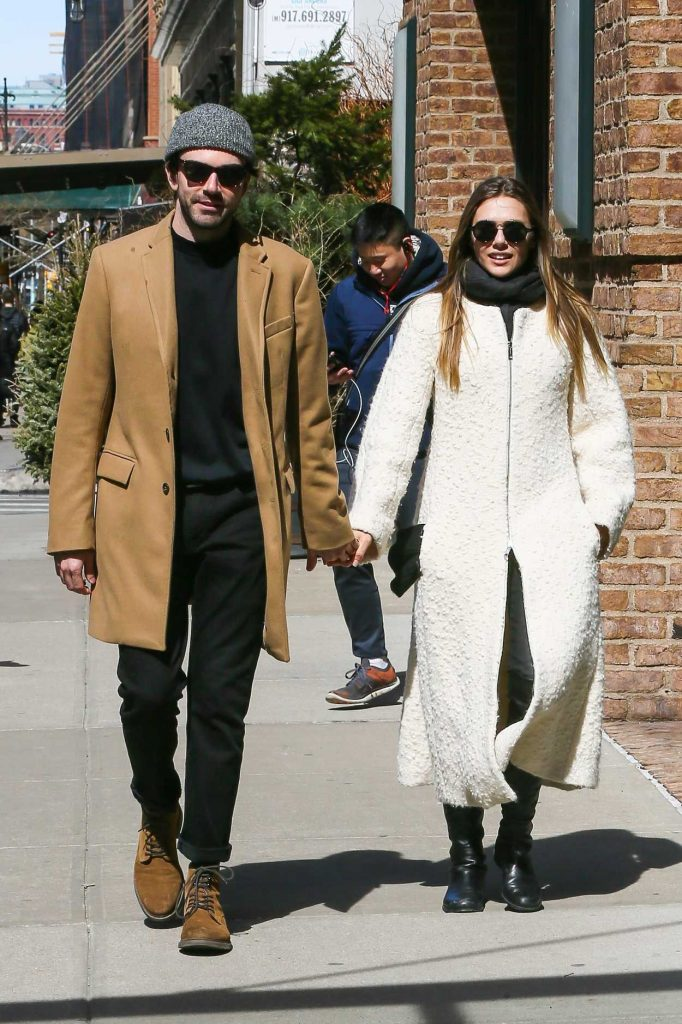 Elizabeth Olsen Was Seen With a Mystery Man Out in NY 03/20/2017-1