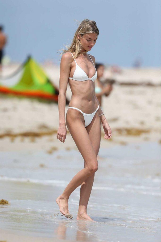 Martha Hunt Wears a Tiny White Bikini at the Beach in Miami 03/25/2017-3