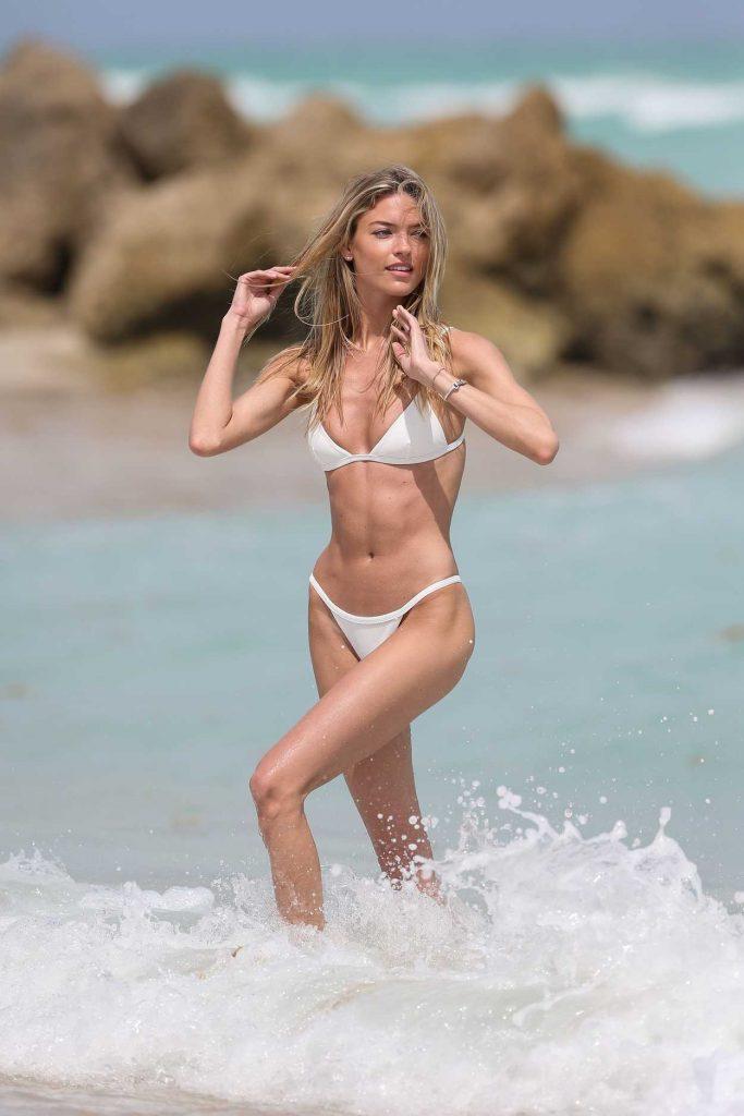 Martha Hunt Wears a Tiny White Bikini at the Beach in Miami 03/25/2017-4