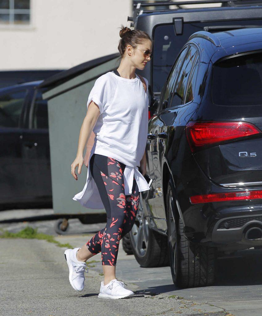 Minka Kelly Leaves the Gym in Los Angeles 03/23/2017-4