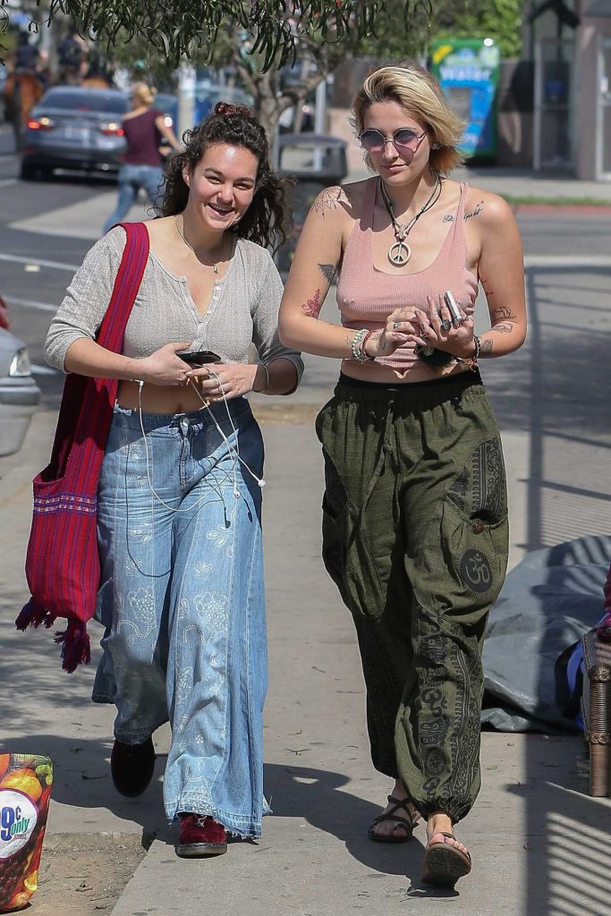 Paris Jackson Was Seen Out in Venice 03/14/2017-2