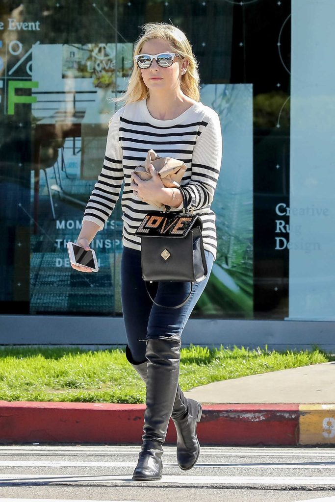 Sarah Michelle Gellar Wears a Striped Sweater Out in West Hollywood 02/28/2017-1